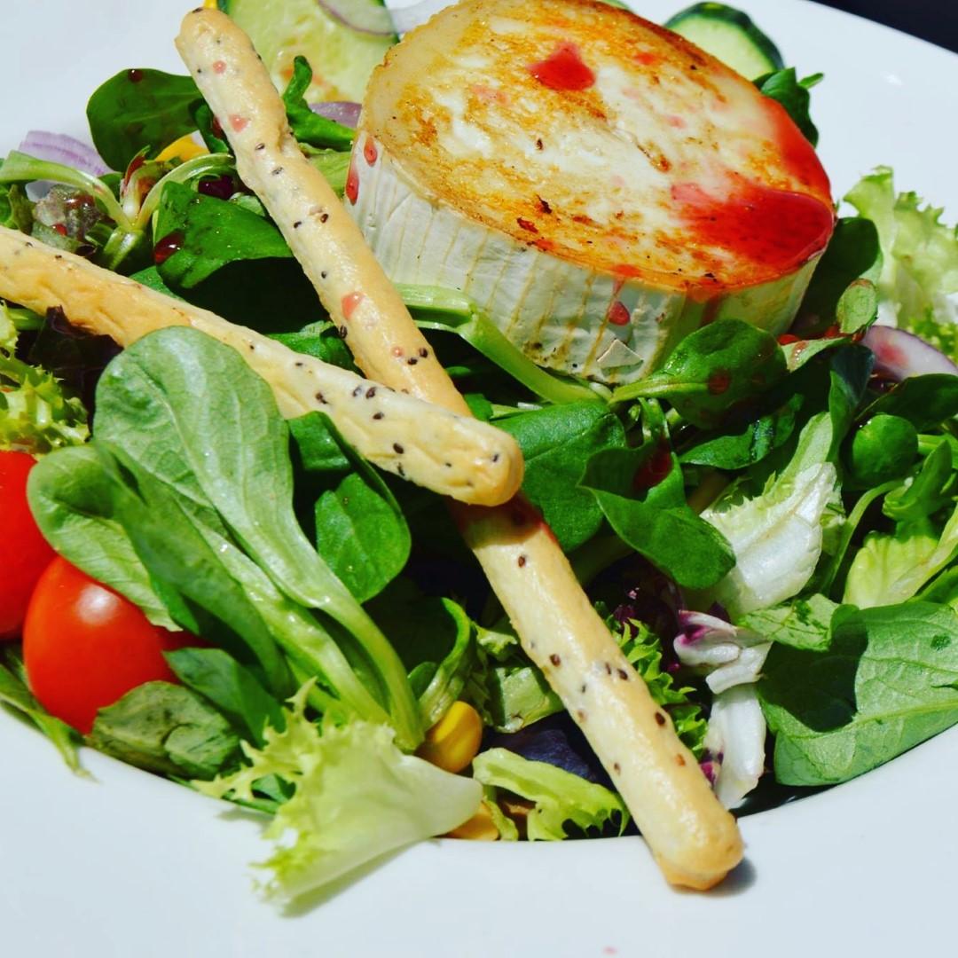 """Salad """"Del Sol"""" €7,50"""