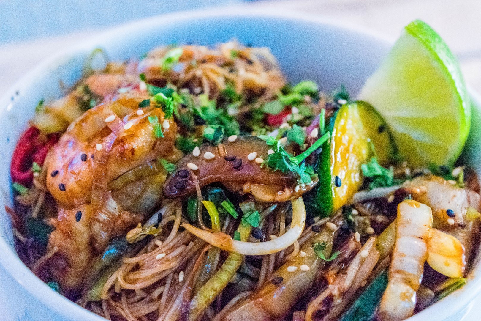 Wok with prawns and vegetables €9,90